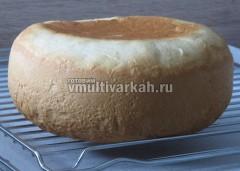 Готовый хлеб достать из чаши и остудить