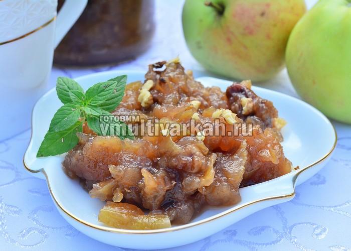 Варенье из яблок с грецкими орехами в мультиварке