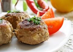 Подавайте зразы горячими со свежими овощами или гарниром