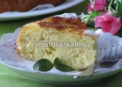 Остывший пирог посыпать сахарной пудрой