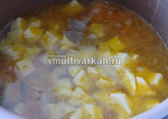 Залить бульоном и варить 30 минут