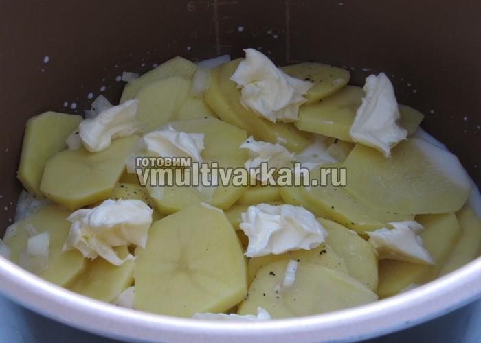тушеная картошка в мультиварке в молоке