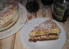 Торт в разрезе выглядит так
