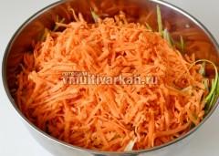 Морковь на той же или просто на крупной терке