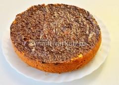 Полить глазурью пирог