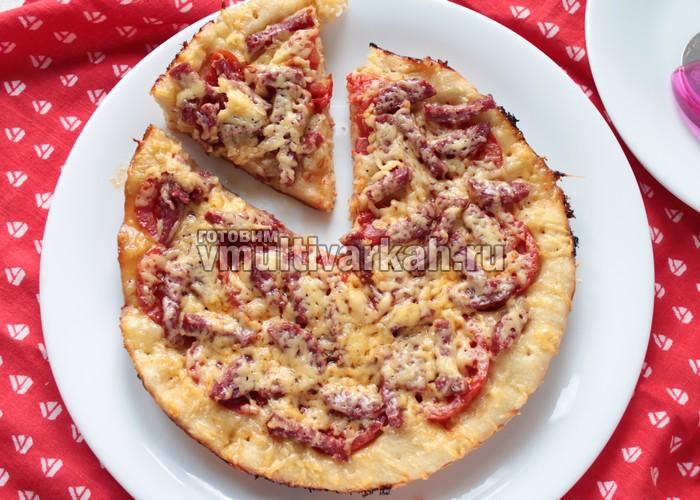 Пицца на дрожжевом тесте с колбасой